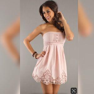 Dress. Pale pink.